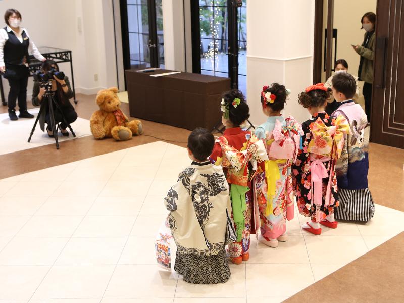 七五三姿で記念撮影 児童養護施設を支援